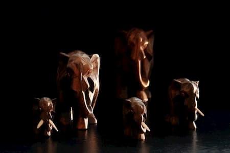 figuras-y-esculturas-de-elefantes